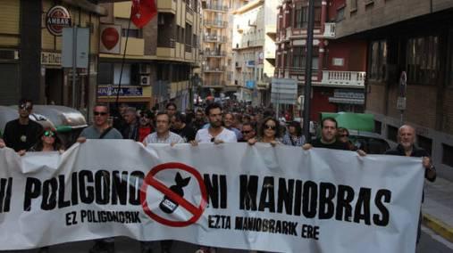 Manifestación en Tudela contra las maniobras de la OTAN en el polígono de tiro.